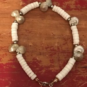 "Jewelry - Cute Shell Bracelet White Beads 7"" L"